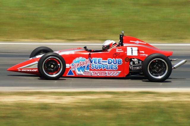Driver Profiles – Daniel Reynolds And Morgan Freemantle